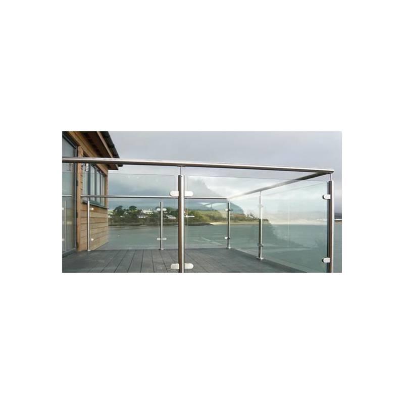 Balustrada na słupkach okrągłych mocowanych do stropu z wypełnieniem szklanym