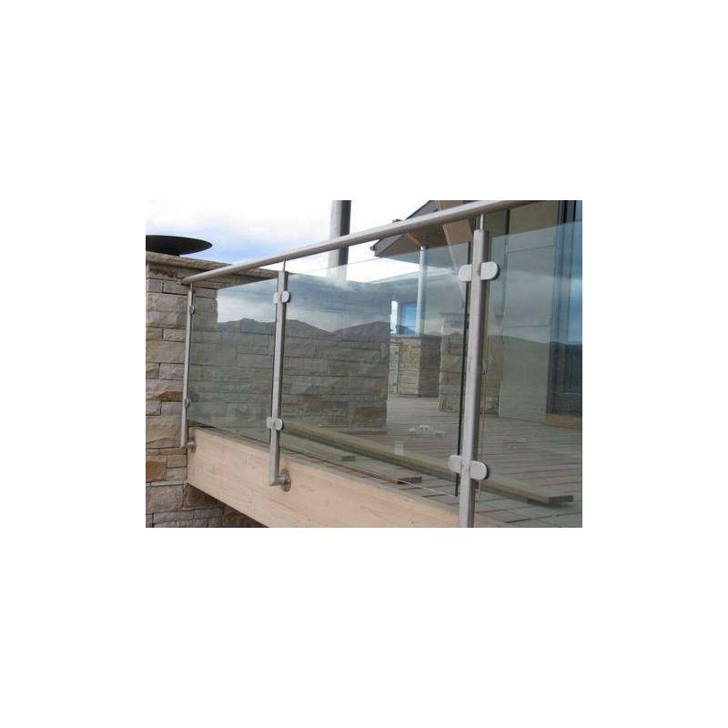 Balustrada na słupkach okrągłych mocowanych do boku z wypełnieniem szklanym